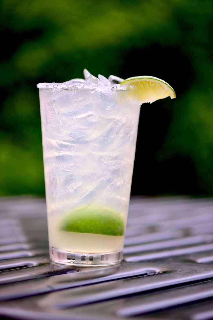 Brothers Bar & Grill: Fresh lime Margaritas