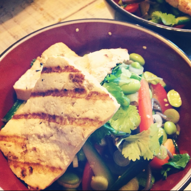Grilled tofu and soba noodle salad bowl. Healthy, low fat, wheat free ...