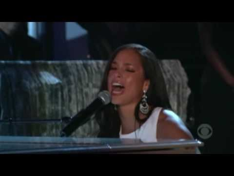 Alicia Keys - If I Ain't Got You - Live Grammy Awards [HD] What a voice!