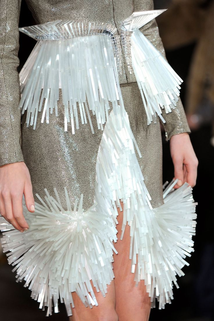 Solid Structured Fringing - experimental surfaces; 3D fashion details // Iris…