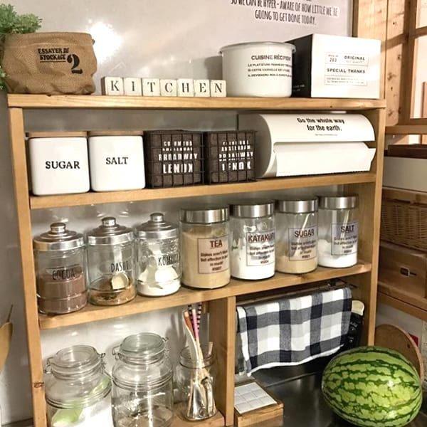 100均収納アイデア特集 お手軽収納術から初心者さんでも簡単にできるdiyをご紹介 Folk 収納 アイデア 収納 アイデア キッチン カフェ風 キッチン
