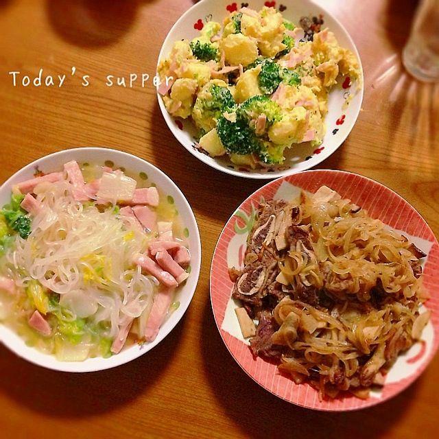 お味噌汁は豆腐ともやしとネギです。 - 16件のもぐもぐ - 骨付き牛肉炒め+ポテトサラダ+白菜の中華煮 by yugi2u