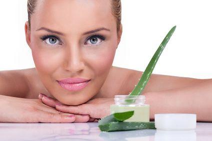gel d'aloe vera pour faire disparaitre les taches brunes sur le visage