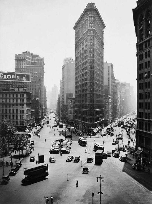 The Flatiron Building New York City 1938 by Berenice Abbott #nyc #newyork .......GREAT PICTURE