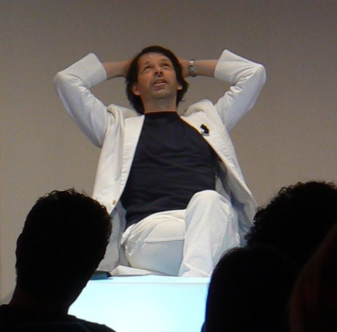 Peter Saville (graphic designer) - Wikipedia