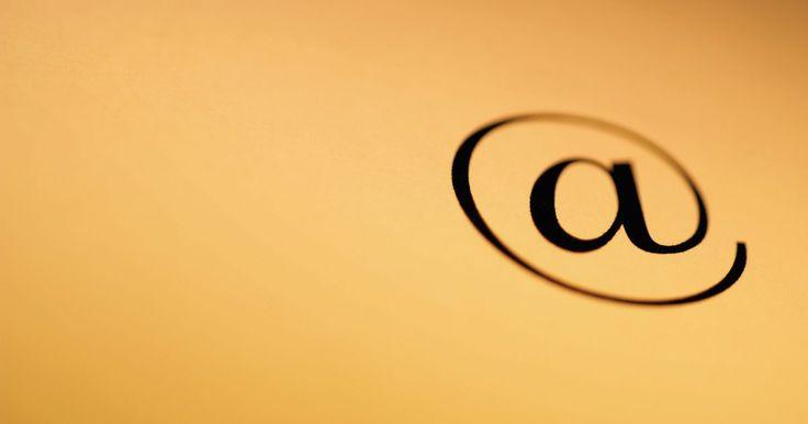 Cómo recuperar una carpeta borrada en Outlook. Outlook Express es uno de los programas de correo electrónico más populares en el mercado, pero no es completamente a prueba de tontos. Es enteramente posible accidentalmente borrar una carpeta que contenga importantes correos electrónicos y contactos. Si esto te sucede a ti, hay dos formas de recuperar la carpeta. La primera funcionará en la ...