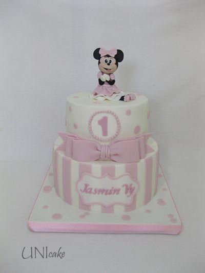 C230. Minni Hiiri -kakku. Minnie Mouse cake.