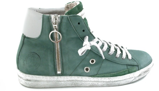 Sneakers in pelle di color verde,Pelle e camoscio morbidissima e di pregio,Lacci e cerniera laterale,Suola di colore bianco sporco in gomma,VINTAGE GREEN,Quattrobarradodici | Collezione