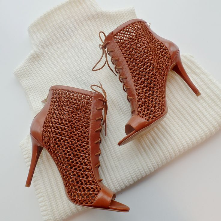 http://www.ninewest.com.au/sandals/daiquiri/w2/i4124231_1433823/