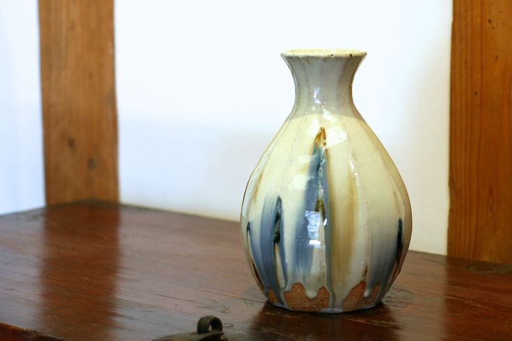 白釉二彩瓶子 Vase, two colors under the white glaze 2014