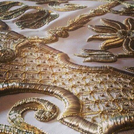 ricamo in oro