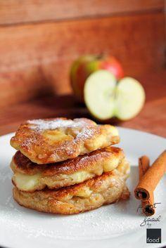 Recipe. Racuchy drożdżowe z jabłkami