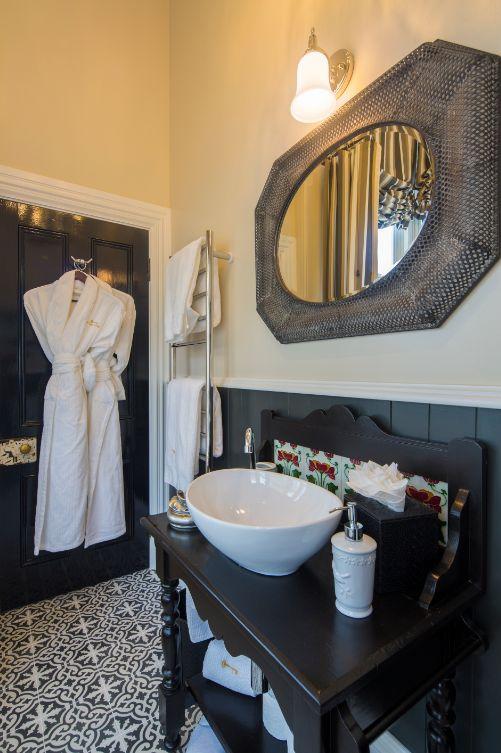 Bathroom of Archerfield Suite at Hulbert House, Queenstown, NZ
