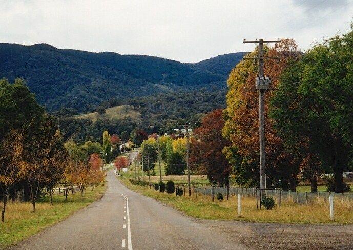 Autumn Entry to Nundle NSW