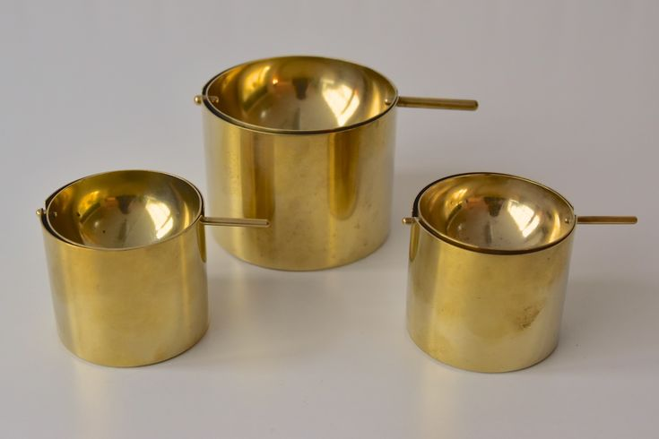 Arne Jacobsen Stelton Aschenbecher H. 8cm Messing brass ashtray Denmark