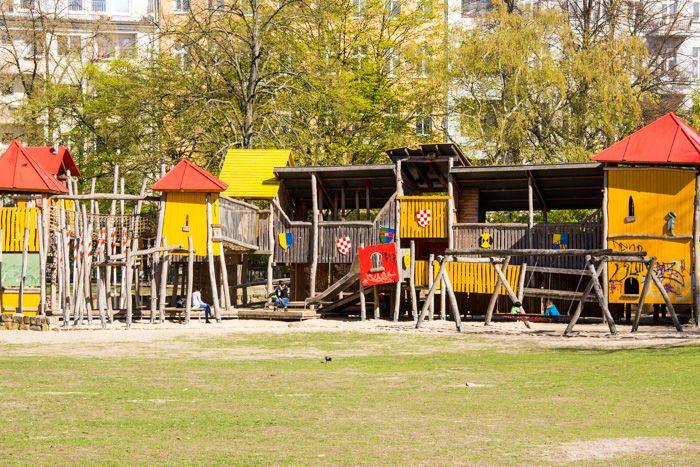 Berlin Schöneberg Spielplatz am Wartburgplatz - Städtereisen mit Kindern