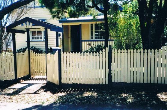 picket fence driveway gate - Google Search