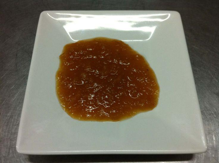 O purê de maçã, o Apfelmus como é chamamos na Alemanha, é um típico acompanhamento tanto para pratos salgados como doces. Podemos apreciá-lo com panqueca de batata, marreco recheado, sorvete de bau…