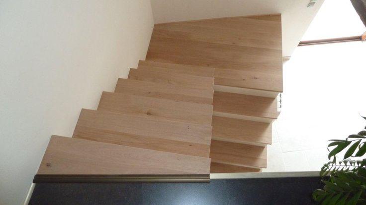 des marches d 39 escalier sur mesure pour un escalier unique en ch ne massif sur parquet chene. Black Bedroom Furniture Sets. Home Design Ideas