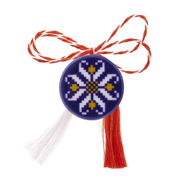 Broșă mărțișor tip pin cu motive tradiționale albe