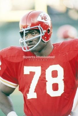 Bobby Bell, Kansas City Chiefs. Class of 1983.