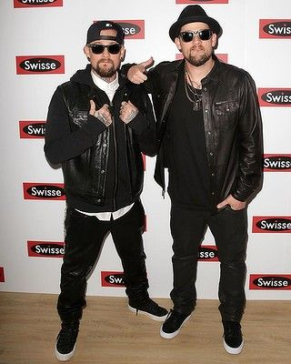 Singers #JoelMadden and #BenjiMadden at the Swisse Marquee.