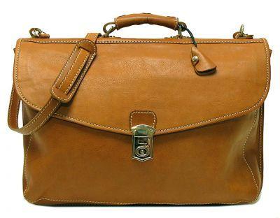 Leren Tassen. Welishop.nl is uw bron voor hoge kwaliteit lederen tassen en nog veel meer, allemaal op grote prijzen. Bent u op zoek naar afstuderen geschenken of een duurzame laptoptas ? Wilt u een nieuwe lederen aktetas met een stijlvol design?