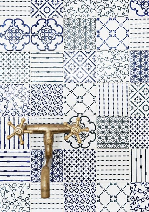 Blue patterned #tile #backsplash. Kika Reichert | inspirations | Page 50
