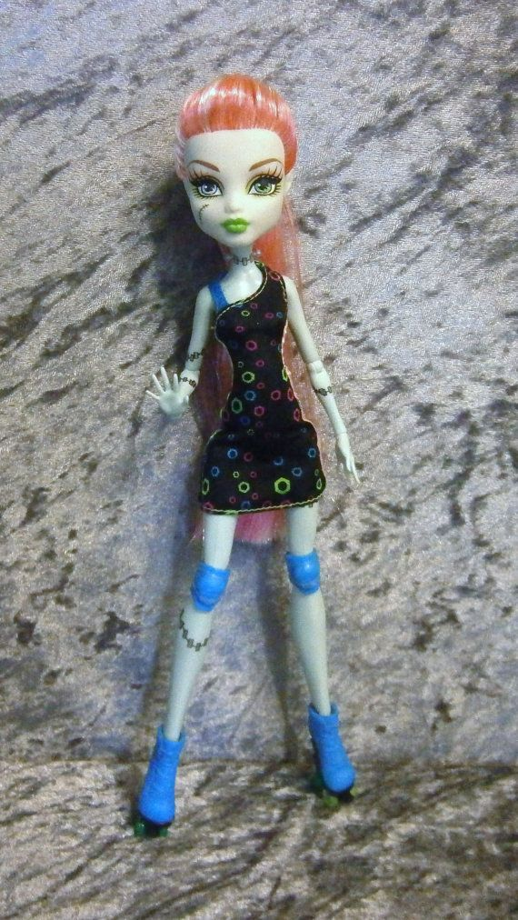 Roller derby princess Frankie custom doll by moonsight68 on Etsy, $45.00