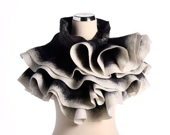 Châle ondulée sentait soie et la laine à la main une par JumiFelt, €89.00