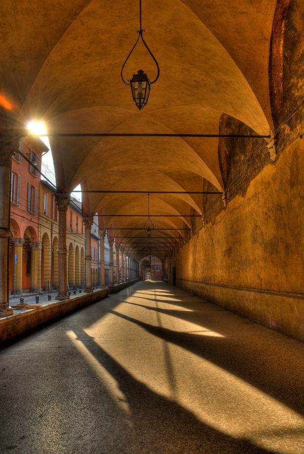 Alba su i Portici Via San Vitale - Bologna by Guillaume Leray on 500px