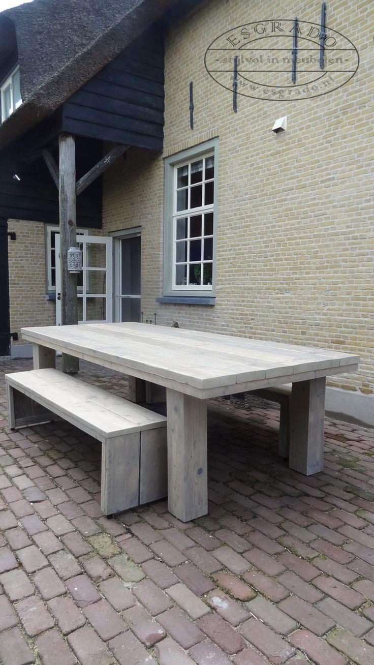 25 beste idee n over buiten salontafels op pinterest buiten tafeldecor buitenleven patio 39 s for Buiten patio model