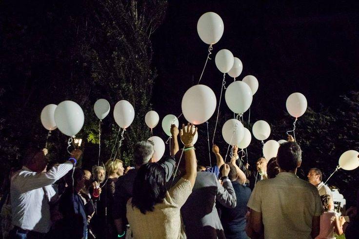 volo dei palloncini luminosi