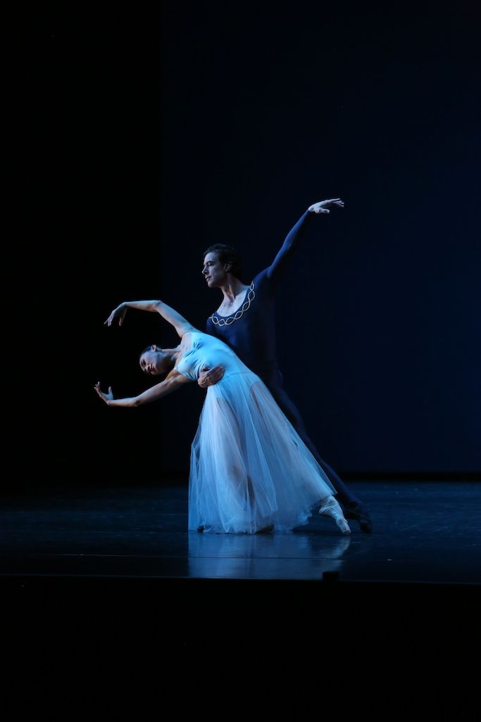 Queensland Ballet's Meng Ningning and Matthew Lawrence in George Balanchine's Serenade