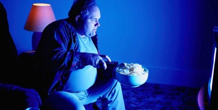 Melhorar o sono vai ajudar a evitar quilos a mais? Será que existe alguma ligação entresono e obesidade? A maioria de nós já ouviu falar que dormir o suficiente pode ajudar a manter um peso saudável.Mas, por que? Analisando a relação ou ligação entre Sono e obesidade O recomendado pelos especialistas é de sete a nove horas de sono
