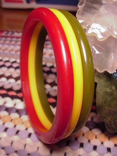 3 Vintage Bakelite Bangle Bracelets 3 Colors Red Green Yellow Butterscotch | eBay