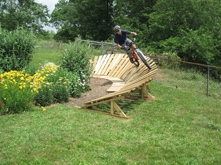 Backyard Wood Pump Track : Front yards, Passion and Yards on Pinterest
