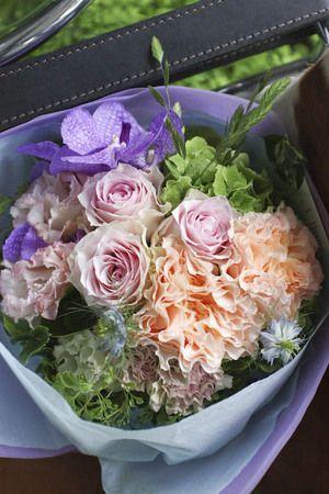 オンラインストア ハイセンスギフトフラワー 花・花束・アレンジメント・お祝いスタンド・コチョウランの宅配