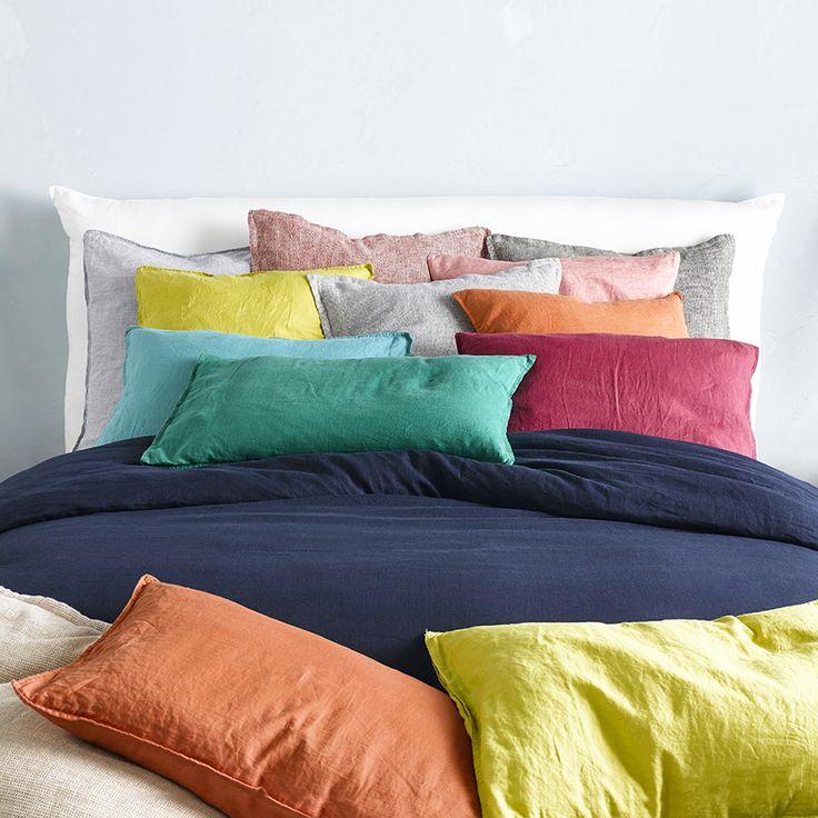 Pour une chambre vitaminée rien de mieux que du linge de lit hyper coloré unies ou à rayures en lin ou en coton sélection de parures de lit hautes en