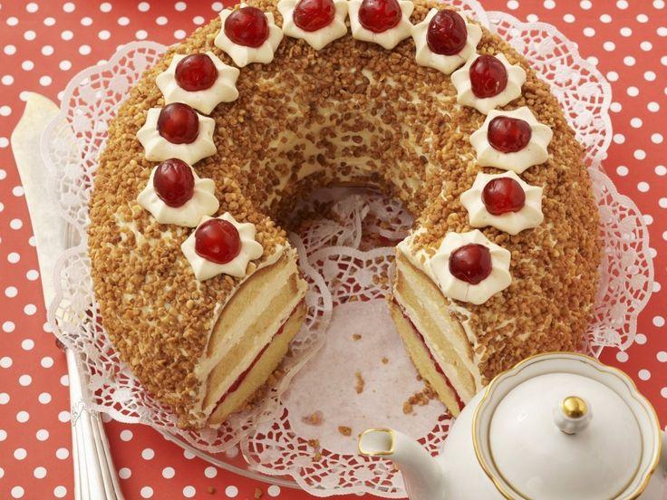 Самый несравненный и обаятельный торт-кекс, или вернее будет сказать — кекс-торт. Десерт прост в приготовлении и универсален в предназначении. С уверенностью можно сказать, что он настоящий «немец» во всём! Оптимальный, сбалансированный и красивый! Класс! Рекомендую для больших застолий, так как на выходе мы имеем изделие более 2 кг. Джем может быть выбран вами по собственному […]