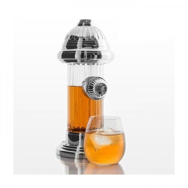 Ce produit est idéal comme distributeur de bière ou bien pour servir n'importe quelle boisson commodément : jus, boissons gazeuses, bière, etc. Le réservoir à boisson est transparent, ce qui permet de voir son contenu en toute facilité. Vous n'aurez qu'à appuyer sur la partie supérieure pour que le liquide sorte par l'effet de la pression. Fabriqué en plastique.