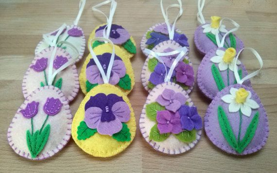 Felt easter decoration felt egg with flowers / set by DusiCrafts