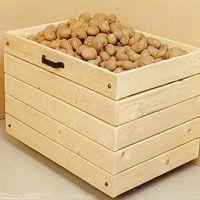 Potatisbingen kan du antingen köpa i plast eller trä, eller göra själv.