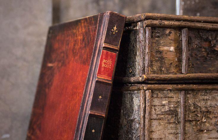 Twelve South BookBook Rutledge for MacBook