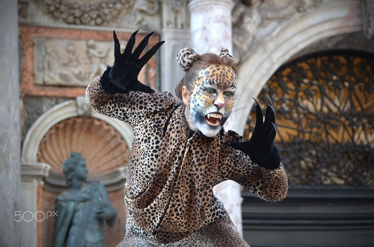Carnevale a Venezia - Una maschera di Carnevale nella splendida cornice di Venezia