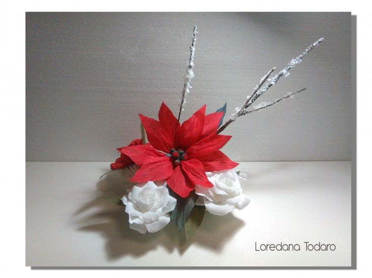Stella di natale e rose in carta crespa - Crepepaper Christmas decoration
