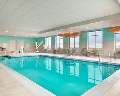 Hampton Inn & Suites Minooka Hotel, IL - Indoor Pool