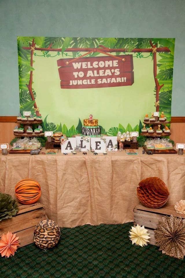 La decoración de fiestas de animales de la selva  nunca pasarán de moda. A raíz de la película Madagascar, han vuelto a ser famosos los ani...
