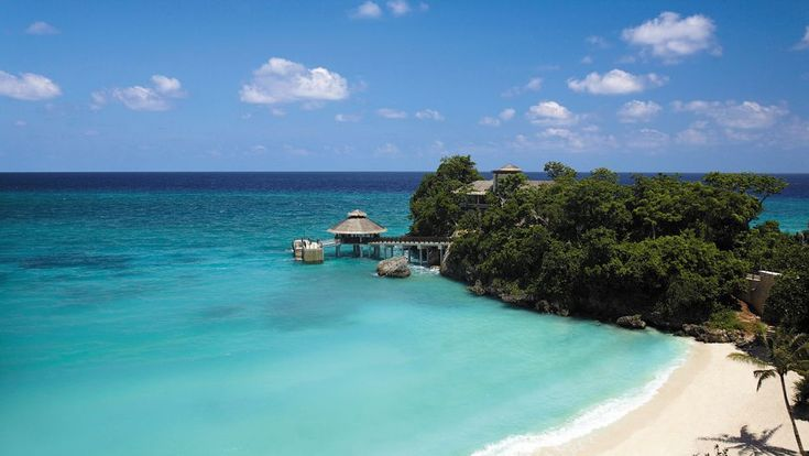Overwater jetty at Shangri-La's Boracay Resort & Spa, Boracay Island, Philippines