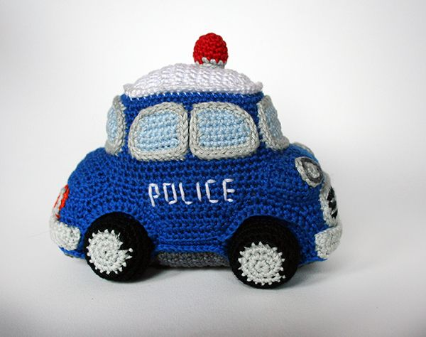 Police car amigurumi pattern by Christel Krukkert